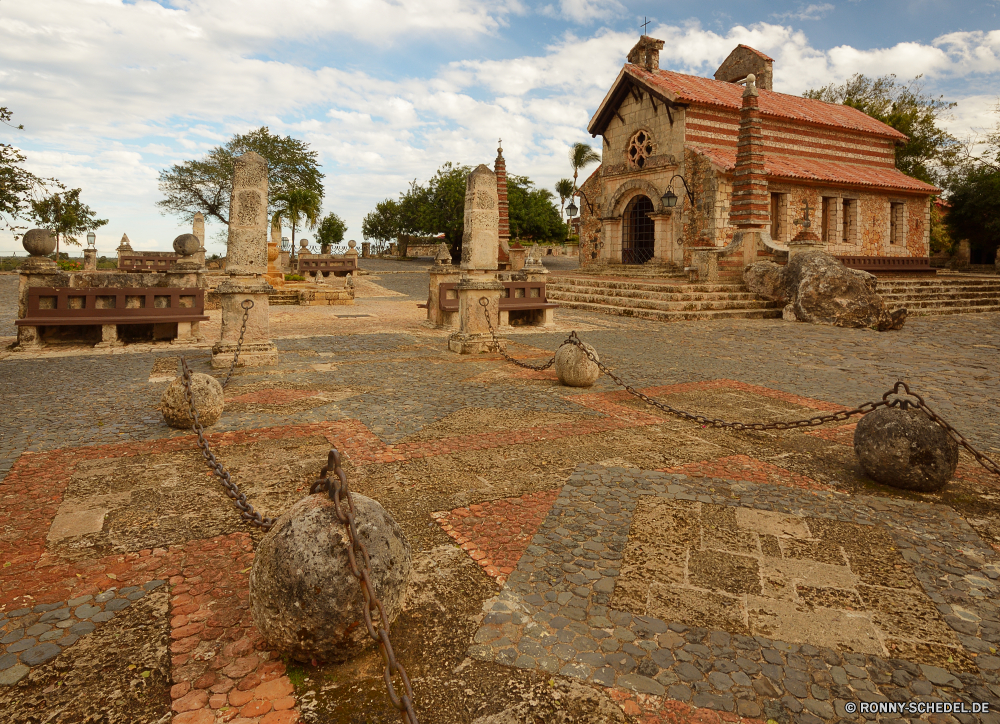 Altos de Chavon Backstein Baumaterial Antike Architektur Labyrinth Gebäude Reisen alt Stein Tourismus Mauer Geschichte historische Wahrzeichen Festung Denkmal Ruine Religion Kloster Kirche Haus Landschaft Schloss Turm Himmel Stadt Tempel mittelalterliche berühmte Ruine historischen Tourist religiöse Dorf Hügel Berg Antik Dach Kultur Land Bau religiöse Residenz Fluss Urlaub Entwicklung des ländlichen Fels Stadt aussenansicht Palast Vergangenheit Wüste Landschaft traditionelle ruiniert Katholische Residenz Struktur Baum Roman Sand Zivilisation Sandstein landschaftlich Erbe Tal Kreuz Felsen Osten Fliese im freien Ringwall Felsenburg Befestigung Archäologie Museum Attraktion Sonne Kunst brick building material ancient architecture maze building travel old stone tourism wall history historical landmark fortress monument ruins religion monastery church house landscape castle tower sky city temple medieval famous ruin historic tourist religious village hill mountain antique roof culture country construction religious residence river vacation rural rock town exterior palace past desert countryside traditional ruined catholic residence structure tree roman sand civilization sandstone scenic heritage valley cross rocks east tile outdoors rampart stronghold fortification archeology museum attraction sun art