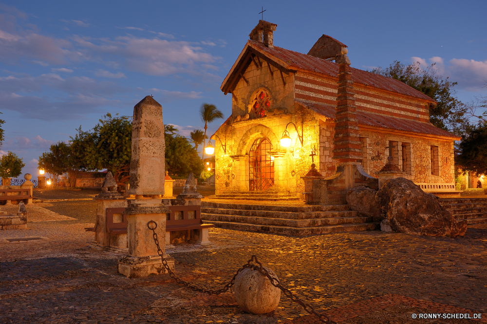 Altos de Chavon Tempel Architektur Antike Gebäude Religion Reisen Geschichte alt Kloster Tourismus Schloss Palast Stein Struktur Wahrzeichen berühmte Denkmal historischen Haus Turm Kirche Himmel Kultur Residenz religiöse Residenz Backstein historische Platz Befestigung Ruine traditionelle Mauer Stadt religiöse aussenansicht Pagode Kathedrale Tourist Erbe Ruine Spiritualität Schrein Friedhof Kuppel Statue Defensive Struktur Skulptur mittelalterliche Kunst Gottesdienst Gold Osten beten Urlaub Gott Landschaft Stadt Vergangenheit majestätisch glauben Antik Website Baum Brunnen Wohnung Archäologische Südosten indigene Jahrhundert Orthodoxe hoch Gebäude im freien Platz Dach Ernten Archäologie Fels Szene Farbe niemand Bau Mysterium Hauptstadt Festung Spalte Urban temple architecture ancient building religion travel history old monastery tourism castle palace stone structure landmark famous monument historic house tower church sky culture residence religious residence brick historical place fortification ruin traditional wall city religious exterior pagoda cathedral tourist heritage ruins spirituality shrine cemetery dome statue defensive structure sculpture medieval art worship gold east praying vacation god landscape town past majestic faith antique site tree fountain dwelling archaeological southeast indigenous century orthodox high buildings outdoors square roof reap archeology rock scene color nobody construction mystery capital fortress column urban