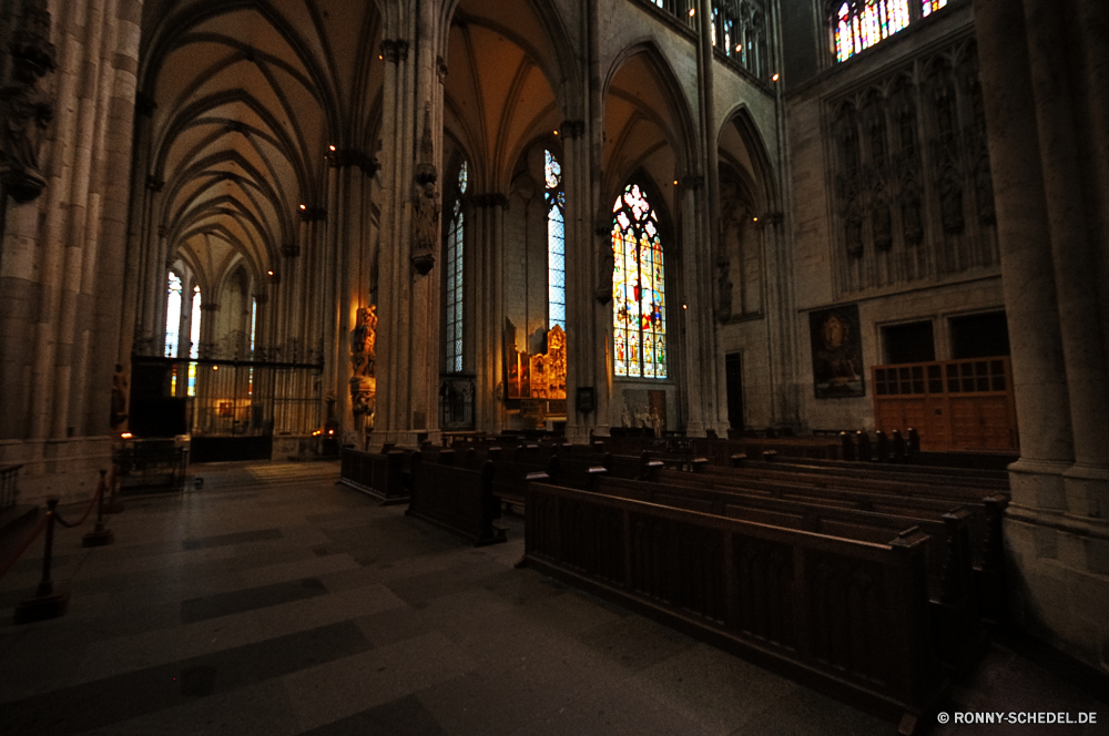 Kölner Dom Kathedrale Kirche Architektur Religion Gebäude alt religiöse Katholische Wahrzeichen heilig historischen Antike Innenraum Bogen glauben Reisen Gott Stadt Fenster Stein Altar Gottesdienst Tourismus Gewölbe Kapelle Geschichte Kreuz Spalte Innenseite mittelalterliche Licht Denkmal Struktur Bögen Kunst beten historische berühmte St. St architektonische Halle Straße Kultur Katholizismus Tourist heilig Stadt Decke Glas Gebet Spiritualität Dach Turm Weltanschauung befleckt Tür Tempel Dekoration aussenansicht Abtei Detail Kuppel Windows Indoor Nacht Urban Mauer Gold Platz Palast Basilika Bau spirituelle Platz Schutzüberzug cathedral church architecture religion building old religious catholic landmark holy historic ancient interior arch faith travel god city window stone altar worship tourism vault chapel history cross column inside medieval light monument structure arches art pray historical famous saint st architectural hall street culture catholicism tourist sacred town ceiling glass prayer spirituality roof tower belief stained door temple decoration exterior abbey detail dome windows indoor night urban wall gold square palace basilica construction spiritual place protective covering