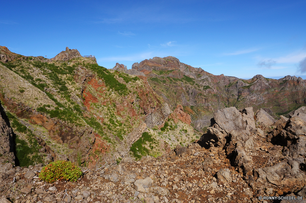 Pico do Arieiro Berg Schlucht Landschaft Fels Berge Himmel Klippe Tal Bereich Reisen Linie Stein nationalen Park Hochland Wüste Felsen landschaftlich Wildnis Tourismus Steigung Spitze im freien Geologie Aufstieg Szenerie Fluss Schlucht im freien Wolken geologische formation Baum Hügel Aushöhlung felsigen Wandern Urlaub Wald natürliche Abenteuer Bäume geologische Grand Sommer Kaktus Landschaften Tourist Südwesten Sandstein Umgebung Wolke Wahrzeichen natürliche depression Panorama Antike Gras Wasser Wunder Bildung Aussicht Wanderweg Sand außerhalb Orange Felge Szene Land Panorama Tag Bereich Süden Farbe Mauer Schlucht Grat Nationalpark Gelände Westen Winter Pflanze Frühling mountain canyon landscape rock mountains sky cliff valley range travel line stone national park highland desert rocks scenic wilderness tourism slope peak outdoors geology ascent scenery river ravine outdoor clouds geological formation tree hill erosion rocky hiking vacation forest natural adventure trees geological grand summer cactus scenics tourist southwest sandstone environment cloud landmark natural depression panorama ancient grass water wonder formation vista trail sand outside orange rim scene land panoramic day area south color wall gorge ridge national park terrain west winter plant spring