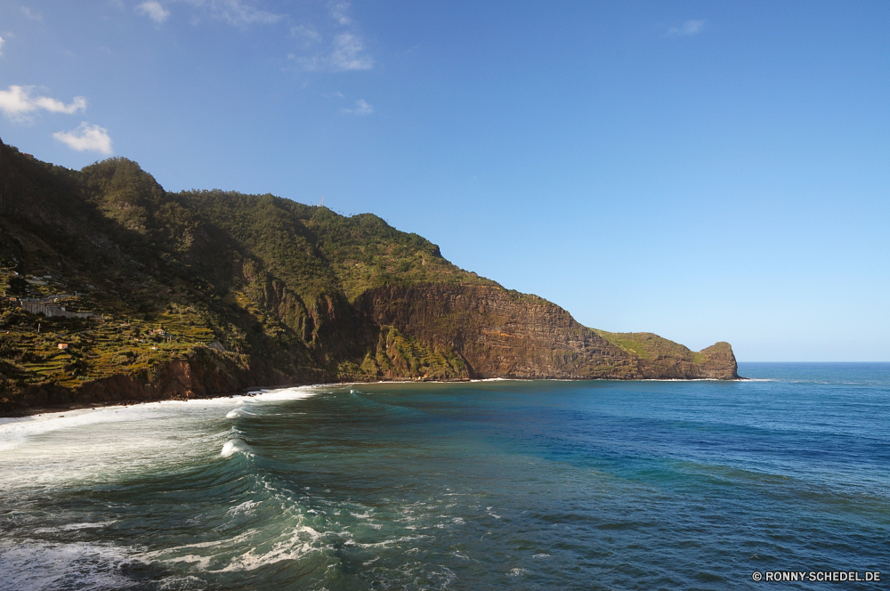 Praia do Faial Vorgebirge natürliche Höhe geologische formation Strand Meer Ozean Küste Wasser Landschaft Reisen Küste Fels Klippe Insel Himmel Berg Bucht Ufer Urlaub Sand Sommer Tourismus landschaftlich Welle Küstenlinie Kap Wolke felsigen am Meer Urlaub Tropischer Baum Felsen Hügel Wellen Surf im freien seelandschaft sonnig ruhige Paradies Stein Tag im freien Szenerie Sonne Szene Pazifik Tourist Wolken Berge Küste Urlaub Ziel Entspannen Sie sich idyllische Park Resort Türkis See klar Fluss Lagune Sonnenlicht Wald Boot Horizont Klippen Gezeiten Schwimmen Reise Reise natürliche Palm Entspannung Erholung Bäume Nautik Landschaften exotische Körper des Wassers Inseln Spitze Reiseziele Steine bewölkt Stadt friedliche Wetter promontory natural elevation geological formation beach sea ocean coast water landscape travel coastline rock cliff island sky mountain bay shore vacation sand summer tourism scenic wave shoreline cape cloud rocky seaside holiday tropical tree rocks hill waves surf outdoor seascape sunny tranquil paradise stone day outdoors scenery sun scene pacific tourist clouds mountains coastal vacations destination relax idyllic park resort turquoise lake clear river lagoon sunlight forest boat horizon cliffs tide swim trip journey natural palm relaxation recreation trees nautical scenics exotic body of water islands peak destinations stones cloudy city peaceful weather