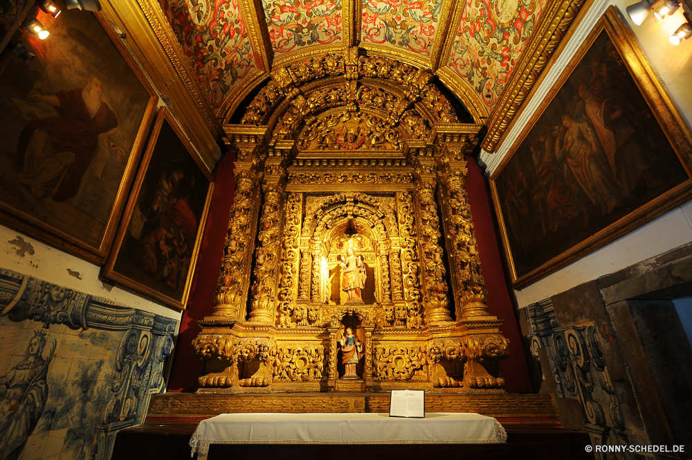Funchal Altar Struktur Architektur Religion Kirche Kathedrale Gebäude religiöse alt Katholische Reisen Geschichte Gott Tempel glauben Kunst historischen Innenraum Antike Gold Gottesdienst heilig Kultur Fenster Skulptur Kapelle Wahrzeichen historische Denkmal Bogen Stadt Tourismus Dekoration traditionelle beten Palast Kreuz Spalte Spiritualität Tür Innenseite Golden St. Decke Gebet Stein architektonische Statue Detail Katholizismus heilig mittelalterliche Bögen Weltanschauung Eingang Licht Orientalische Osten berühmte Stil Glas Kuppel spirituelle Antik aussenansicht Tourist Turm Tor befleckt Mauer Tradition Jahrgang Indoor Basilika beten Verzierung St Ziel Haus verzieren Gestaltung Malerei altar structure architecture religion church cathedral building religious old catholic travel history god temple faith art historic interior ancient gold worship holy culture window sculpture chapel landmark historical monument arch city tourism decoration traditional pray palace cross column spirituality door inside golden saint ceiling prayer stone architectural statue detail catholicism sacred medieval arches belief entrance light oriental east famous style glass dome spiritual antique exterior tourist tower gate stained wall tradition vintage indoor basilica praying ornament st destination house ornate design painting