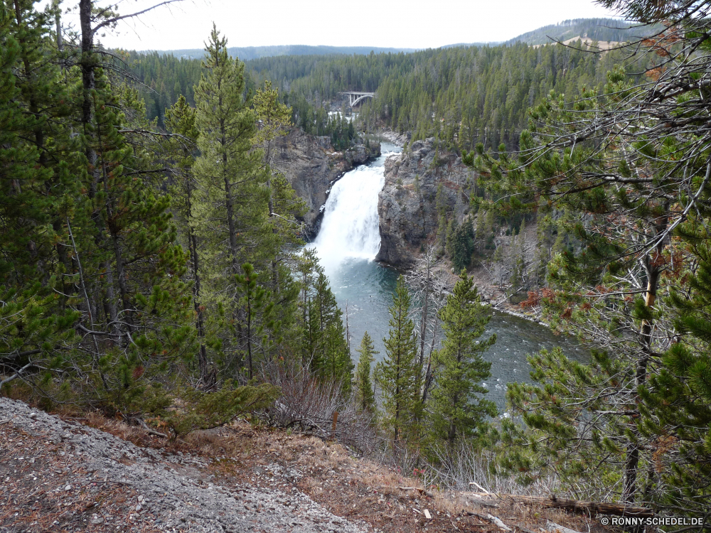 Upper Yellowstone Fall Landschaft Fluss Wald Berg Berge Wasser Wildnis Baum Bäume Park Tal Fels Reisen Aufstieg Himmel Steigung Sommer Stream im freien im freien nationalen Kanal Stein Bereich landschaftlich Tourismus Land Hölzer Szenerie Gras See Körper des Wassers Umgebung Wolke Brücke felsigen Szene Schnee Wolken Kiefer Hügel Schlucht Wandern Felsen Hochland Herbst Urlaub natürliche Klippe Hängebrücke Wasserfall Spitze hoch Frühling Landschaften Entwicklung des ländlichen Wild Landschaft ruhige fallen fließende friedliche Alpen Struktur geologische formation Creek Gelände Land Bereich Becken Holz frische Luft Gletscher steilen Tag sonnig Steine Erhaltung Belaubung Reflexion Pflanze Grat klar Moos Wanderung Saison Hügel Wanderweg natürliche depression Teich Abenteuer gelassene Feld Schlucht Dam Strömung Ökologie Wetter woody plant Farbe nass niemand landscape river forest mountain mountains water wilderness tree trees park valley rock travel ascent sky slope summer stream outdoors outdoor national channel stone range scenic tourism land woods scenery grass lake body of water environment cloud bridge rocky scene snow clouds pine hill canyon hiking rocks highland autumn vacation natural cliff suspension bridge waterfall peak high spring scenics rural wild countryside tranquil fall flowing peaceful alps structure geological formation creek terrain country area basin wood freshness glacier steep day sunny stones conservation foliage reflection plant ridge clear moss hike season hills trail natural depression pond adventure serene field ravine dam flow ecology weather woody plant color wet nobody