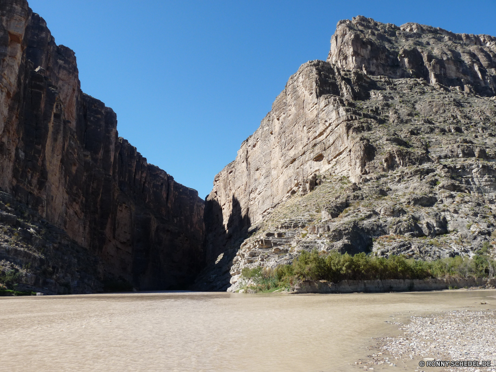 Big Bend National Park Klippe geologische formation Fels Landschaft Berg Schlucht Stein Reisen Tourismus Himmel Felsen Park Höhle landschaftlich Tal Berge Wasser nationalen Sommer Wüste Sandstein im freien Urlaub Meer Hügel im freien Wildnis felsigen natürliche Küste Steine Ziel Fluss Klippen Szene Geologie Mauer Festung Wolken Tourist Schlucht Wahrzeichen Sand Strand Bereich Antike Geschichte Panorama Umgebung Baum Landschaften Urlaub Schloss Panorama Wald hoch Ozean Tag Bäume Spitze Farbe Küste alt Bildung Wandern Bereich Ringwall Bucht Vorgebirge Insel Szenerie natürliche depression Sonnenlicht Formationen Sonne geologische reservieren Wild Gras Architektur Ufer natürliche Höhe Aushöhlung Touristische niemand Welle Attraktion Stream Grat Nach oben Steigung Struktur historischen ruhige cliff geological formation rock landscape mountain canyon stone travel tourism sky rocks park cave scenic valley mountains water national summer desert sandstone outdoors vacation sea hill outdoor wilderness rocky natural coast stones destination river cliffs scene geology wall fortress clouds tourist ravine landmark sand beach range ancient history panoramic environment tree scenics holiday castle panorama forest high ocean day trees peak color coastline old formation hiking area rampart bay promontory island scenery natural depression sunlight formations sun geological reserve wild grass architecture shore natural elevation erosion touristic nobody wave attraction stream ridge top slope structure historic tranquil