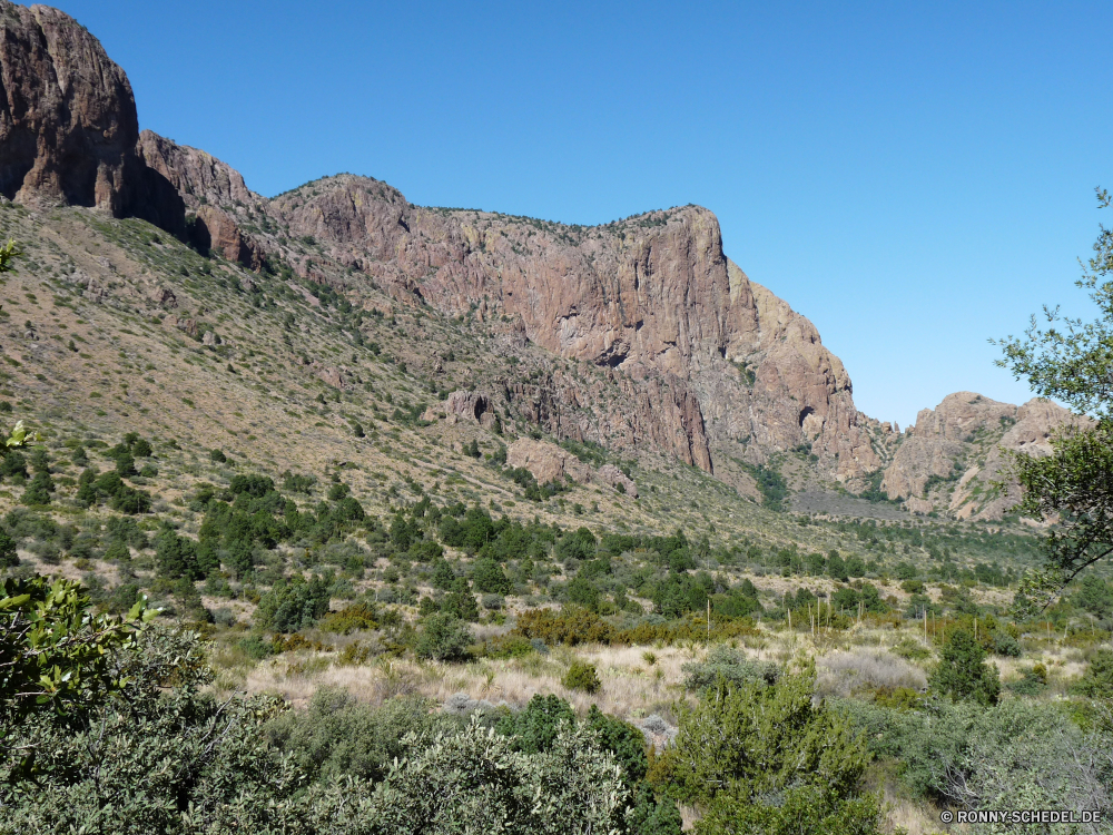 Big Bend National Park Berg Landschaft Berge Schlucht Fels Himmel Wildnis Park Bereich Tal nationalen Reisen Baum landschaftlich Wüste Hochland Tourismus Klippe im freien Hügel Stein Felsen Steigung Fluss im freien Bäume Szenerie Geologie Aufstieg Urlaub Wolken Wald Spitze Sommer natürliche Wandern geologische formation Wasser Schlucht Bildung felsigen Aussicht Tourist Ziel Land Wahrzeichen Sandstein Grand Landschaften hoch Linie Kaktus Tag Umgebung Panorama Wild Strauch Wolke Farbe natürliche depression Aushöhlung Gelände Hügel Sand woody plant Antike Wanderweg Abenteuer Steine Stream Insel vascular plant Herbst Gras bunte Nationalpark Touristische Szene Becken Bereich trocken Nach oben friedliche Straße Schnee mountain landscape mountains canyon rock sky wilderness park range valley national travel tree scenic desert highland tourism cliff outdoors hill stone rocks slope river outdoor trees scenery geology ascent vacation clouds forest peak summer natural hiking geological formation water ravine formation rocky vista tourist destination land landmark sandstone grand scenics high line cactus day environment panorama wild shrub cloud color natural depression erosion terrain hills sand woody plant ancient trail adventure stones stream island vascular plant autumn grass colorful national park touristic scene basin area dry top peaceful road snow