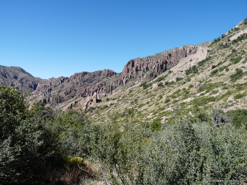 Big Bend National Park Berg Berge Bereich Landschaft Fels Himmel Wildnis Tal Reisen Steigung Aufstieg Park nationalen Szenerie Baum Fluss landschaftlich Hochland Linie im freien Wald Schlucht Stein Klippe geologische formation Hügel im freien Spitze felsigen Sommer Schnee Felsen Wolken Bäume Tourismus Wasser Landschaften hoch Gras Urlaub Alp natürliche Wüste Wolke Panorama Straße Geologie Hügel Wandern Tag ruhige Umgebung Spitzen Landschaften Bereich Becken Tourist Insel Farbe Alpen Gelände natürliche Höhe Antike außerhalb woody plant Schlucht Pflanze See natürliche depression Schlucht Szene Busch Norden Abenteuer Nach oben Landschaft Urlaub Kaktus Herbst mountain mountains range landscape rock sky wilderness valley travel slope ascent park national scenery tree river scenic highland line outdoors forest canyon stone cliff geological formation hill outdoor peak rocky summer snow rocks clouds trees tourism water scenics high grass vacation alp natural desert cloud panorama road geology hills hiking day tranquil environment peaks landscapes area basin tourist island color alps terrain natural elevation ancient outside woody plant ravine plant lake natural depression gorge scene bush north adventure top countryside holiday cactus autumn